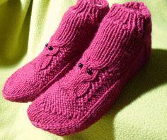 Neuleet, käsityöt, helmet, korut, sukat Crochet Socks, Knitting Socks, Slippers, Baby, Shoes, Villas, Crocheting, Fashion, Tutorials