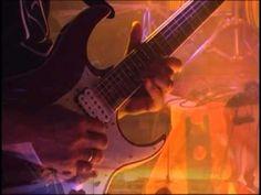 """En vivo en Cine Teatro Municipal 04-12-2010 Vandar tocando le emblemática """"Corre la Voz"""""""