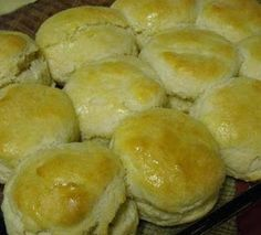 Southern Buttermilk Biscuits calls for self-rising flour - Susan Recipe Cooking Chef, Cooking Recipes, Bread Recipes, Muffin Recipes, Grilling Recipes, Southern Buttermilk Biscuits, Country Biscuits, Susan Recipe, Baked Pork Chops