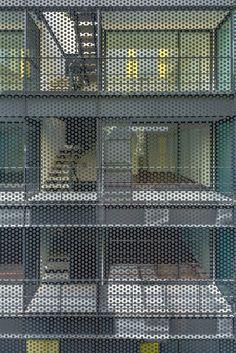 Since 1998 the Web Atlas of Contemporary Architecture Facade Architecture, Amazing Architecture, Contemporary Architecture, Habitat Collectif, Facade Pattern, Classic Building, Exterior Cladding, Brick Building, Built Environment