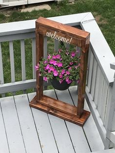 Decorate porch – 38 new projects for reusing wooden pallets … – Garden Projects Garden Crafts, Garden Art, Rocks Garden, Porch Garden, Garden Shrubs, Terrace Garden, Shade Garden, Pinterest Garden, Pinterest Diy