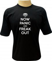 Camiseta Now Panic and Freak Out