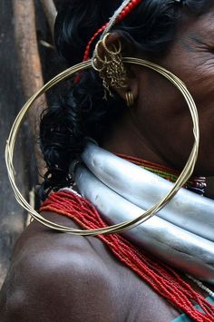 India | Details; woman's earrings and necklaces. Orissa | ©Rudi Roels