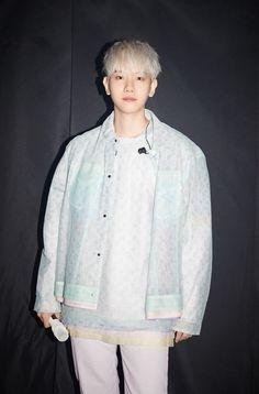 Baekhyun Chanyeol, Exo Exo, Got7, Kai, Denim Button Up, Button Up Shirts, Exo Korea, Luhan And Kris, Baekhyun Wallpaper