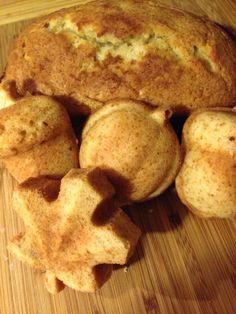 Banana bread ☺️ http://www.pillsbury.com/recipes/banana-bread/bd0ba608-34da-4980-a72c-3aac2baa198c