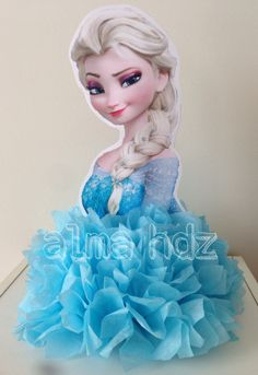 Frozen birthday party idea, Elsa centerpiece with tissue paper pom pom - Frozen Centro de Mesa