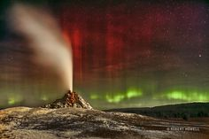 NASA Astronomy Picture of the Day 2016 October 2 Aurora Over White Dome Geyser Sometimes both heaven and Earth erupt. Colorful aurorae erupted unexpectedly a few years ago, with green aurora appearing near the horizon and brilliant bands of red. Parc National, National Parks, Pictures Of Weather, Infinity Pictures, Astronomy Pictures, Natural Phenomena, Yellowstone National Park, Heaven On Earth, Science And Nature