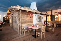 INNs Holz Restaurant - Wo Gutes am Besten schmeckt! Restaurant, Austria, Outdoor Decor, Home Decor, Vacation, Timber Wood, Decoration Home, Room Decor, Diner Restaurant