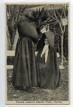The Azorean hood (in Portuguese, 'capote e capelo') is a traditional Azorean garment worn up until the A large cape that covered a woman's figure… Vintage Photos Women, Surreal Photos, Visit Portugal, Women Figure, Thats The Way, Folk Costume, Portuguese, Mystic, Aurora Sleeping Beauty