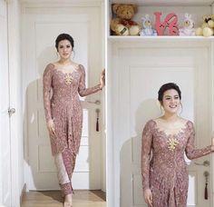 Ideas For Wedding Dresses Simple Modern Bridesmaid Kebaya Modern Hijab, Model Kebaya Modern, Kebaya Hijab, Kebaya Brokat, Dress Brokat, Kebaya Muslim, Vera Kebaya, Kebaya Lace, Kebaya Dress