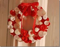 sweet button wreath need vinatge or new buttons, find them here: http://www.nanaluluslinensandhandkerchiefs.com/category_s/1988.htm