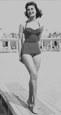 32487d7d63 vintage swimming suit 50s Vintage, Vintage Ladies, Vintage Dresses, Vintage  Outfits, Vintage