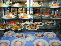 Elegant bavarian beergarden food Seehaus im Englischen Garten beergarden restaurant munich