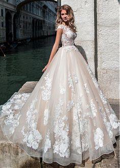 comprar Junoesque Tulle joya escote transparente blusa vestido de bola vestido de novia con apliques de encaje con cuentas de descuento en Dressilyme.com