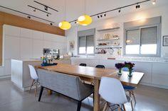 merav ben-sira interior design מרב בן סירה עיצוב Architecture Design, Conference Room, Interior Design, Kitchen, Table, Furniture, Home Decor, Nest Design, Architecture Layout