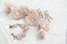 """Купить Комплект украшений """"Нежность мгновения"""" - кремовый, невеста, свадьба, украшение для волос, браслет, серьги"""