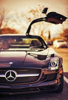 Mercedes SLS | Luxury | Sport | Car | http://amazingsportcarcollections.blogspot.com: