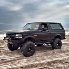 IndoTrux is one of India's leading online portal which is used in the buying and selling of used commercial vehicles. Ford Bronco 1996, Ford Bronco Lifted, Bronco Truck, Ford 4x4, Old Ford Trucks, Cool Trucks, Pickup Trucks, Diesel Trucks, Lifted Trucks