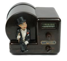 A rare Majestic Charlie McCarthy Radio Vintage, Antique Radio, Charlie Mccarthy, Art Deco Kitchen, Nostalgia Art, Radio Antigua, Retro Appliances, Radios, Punch And Judy