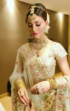 Bollywood actress Urveshi rautela in bridal look for ramp walk Pakistani Wedding Outfits, Indian Bridal Outfits, Indian Bridal Makeup, Indian Bridal Wear, Pakistani Bridal, Indian Dresses, Bridal Dresses, Bridal Lehenga, Wedding Lehanga