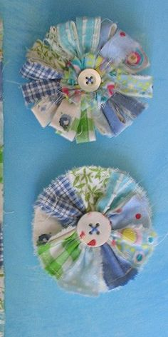 You can buy strips of fabric and you wouldn't have to sew much.  These are a cute idea for leftover fabric.....and buttons of course :)