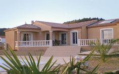 Découvrez les plans de cette villa de plain-pied sur www.construiresamaison.com >>>