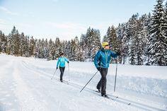 Langlaufen auf der Rummlerloipe in der Region St. Johann in Tirol - Kirchdorf - Oberndorf - Erpfendorf #crosscountryski #langlaufen Tours, Mount Everest, Mountains, Nature, Travel, Winter Scenery, Keep Running, Naturaleza, Viajes