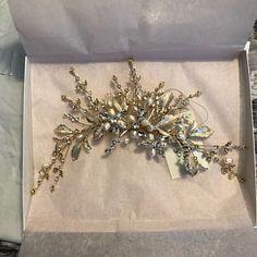 Antonietta Carlesimo added a photo of their purchase Bridal Comb, Bridal Hair Vine, Bridal Tiara, Bridal Hair And Makeup, Bridal Headpieces, Floral Headband Wedding, Gold Bridal Crowns, Ribbon Headbands, Floral Headbands