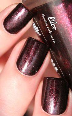 Dark glitter Nails Nail Art www.finditforweddings.com