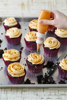 dark chocolate and caramelized white chocolate #cupcakes