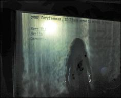 Jitish Kallat, Covering Letter, Fogscreen projection, video, 2013 Galerie Daniel Templon