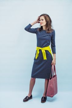 *pre-order (ships in 4 weeks)COLOR:NAVY/WHITE STRIPE DESCRIPTION: With its straight silhouetteandeasy, versatile fit, the Reese dress is a Sonnet James clas