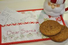 A mug rug for Santa by Pleasant Home...  I'd like to make these for the neighbors :)