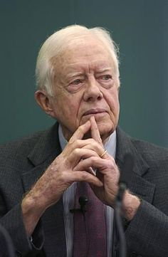 Jimmy Carter - he will be remembered for his post-presidential peace talks and human rights efforts. He has done more after leaving office than any other president ever. He is also the recipient of the Nobel Peace Prize. Presidential Portraits, Presidential History, All Presidents, American Presidents, Jimmy Carter, Us History, American History, Important People In History, Nobel Peace Prize