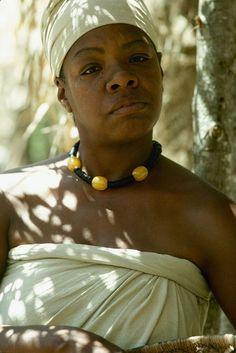 12 Stunning Vintage Pictures Of Maya Angelou Maya Angelou, Women In History, Black History, Great Women, African American History, American Women, Before Us, Vintage Pictures, Beautiful Black Women