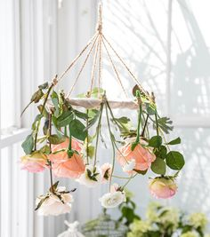 Bloom Room | Floral Chandelier | Floral Crafts | Flower Arrangements | DIY Chandelier | DIY Floral Chandelier | Home Decor | Spring Decor | Spring Crafts