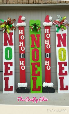 Christmas Fun with Fence Boards! Christmas Pallet Signs, Christmas Yard Art, Christmas Wood Crafts, Outdoor Christmas Decorations, Christmas Projects, Holiday Crafts, Christmas Holidays, Theme Noel, Fence Boards