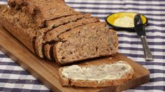 Saftiges Vollkornbrot Bread Baking, Banana Bread, Bakery, Clean Eating, Low Carb, Cooking, Desserts, Food, Breads