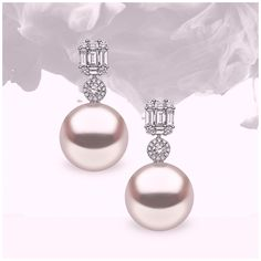 Beautiful South Sea pearls are paired with sparkling white diamonds to create these stunning Yoko London earrings Pearl Jewelry, Bridal Jewelry, Diamond Jewelry, Vintage Jewelry, Fine Jewelry, Pearl Earrings, Pearl Diamond, Diamond Stud, Chandelier Earrings