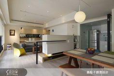 木頭餐桌棒!  電視櫃結合吧檯設計,明亮採光的景觀宅