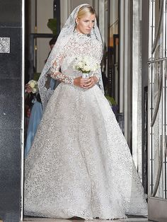 Paris Hilton, Chelsea Clinton, Kyle Richards and More Attend Nicky Hilton's A-List Wedding http://www.people.com/article/nicky-hilton-wedding-paris-hilton-kyle-richards-chelsea-clinton-attend
