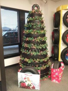how to recycle old tires for handmade yard decorations, alternative christmas trees Redneck Christmas, Christmas Yard, Outdoor Christmas, Xmas Tree, All Things Christmas, Creative Christmas Trees, Christmas Decorations, Christmas Ornaments, Yard Decorations