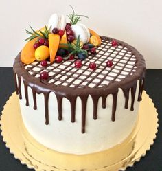 same muhje maff kiya Cake Decorating Piping, Creative Cake Decorating, Cake Decorating Videos, Fruit Cake Decorating, Cupcakes, Cupcake Cakes, Candy Birthday Cakes, Chocolate Cake Designs, Fresh Fruit Cake