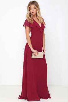 One look at the Elegant Arrival Wine Red Maxi Dress and you can't help but fall head over heels! Dreamy chiffon short sleeves flutter atop a darted bodice (with lightly padded cups) and tie with slender straps at the open back. Skirt cascades from the fitted waist to a full, maxi length.