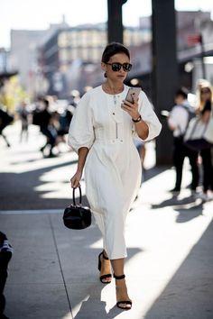 half off f0a84 1b8f7 New York Fashion Week Street Style   Spring 2017 Day 6 – The Impression  Lässiger Look