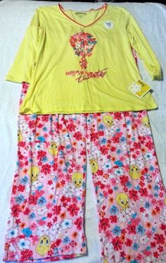 Check out Looney Tunes Tweety 2 piece pajama set ladies size 3XL #LooneyTunes #PajamaSets http://www.ebay.com/itm/-/131314074349?roken=cUgayN&soutkn=L9Vp2O via @eBay