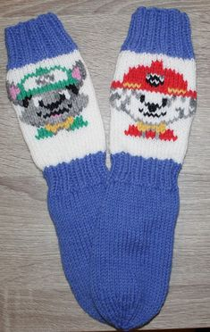 Kaksinkasin: Ryhmä Hau Crochet Socks, Knitting Socks, Knit Crochet, Fair Isle Knitting, Bindi, Baby Knitting Patterns, Paw Patrol, Mittens, Knitwear