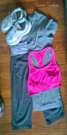 Cute workout outfit with a pop of color!