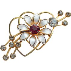 Vintage Jewelry under $25 on www.rubylane.com @rubylanecom ---Cute 1940s Double Heart Brooch