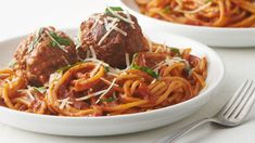 Instant Pot Spaghetti and Meatballs - has never been easier! This one-pot wonder uses the Instant Pot™ to turn an everyday dinner into a delicious one-pot pasta feast. Spaghetti Dinner, Spaghetti And Meatballs, Tater Tot Casserole, Tater Tots, Tortilla Casserole, Meatball Casserole, Spaghetti Casserole, Pizza Casserole, Breakfast Casserole